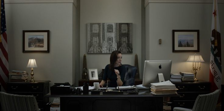 Apple iMac computer used by Molly Parker in HOUSE OF CARDS: CHAPTER 38 (2015) - TV Show Product Placement
