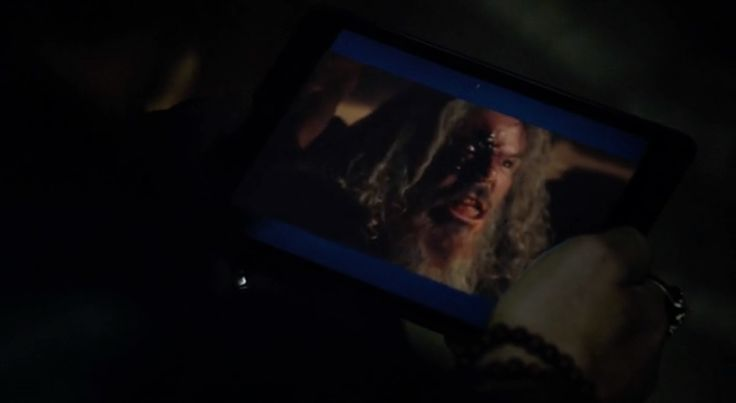Apple iPad tablet in SONS OF ANARCHY: GREENSLEEVES (2014) TV Show Product Placement