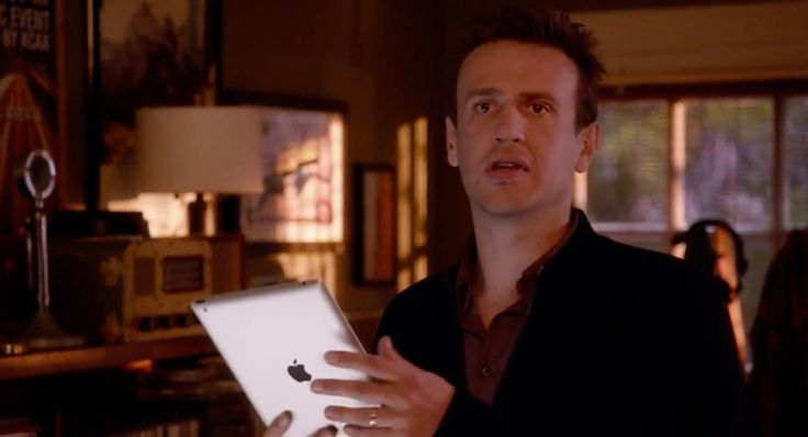 Apple iPad tablet used by Jason Siegel - SEX TAPE (2014) Movie Product Placement
