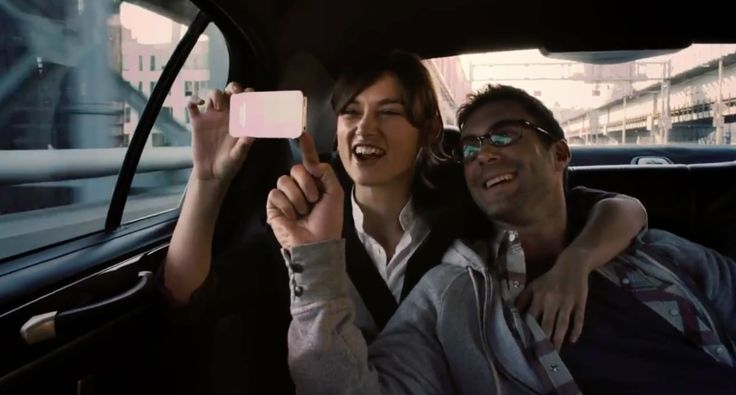 Apple iPhone 5 mobile phone used by Keira Knightley in Begin Again (2013) - Movie Product Placement