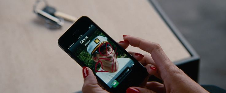 Apple iPhone 5S - THE OTHER WOMAN (2014) Movie Product Placement