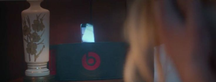 Apple iPhone mobile phone and Beats by Dre loudspeakers in PRETTY LIL' HEART by Robin Thicke (2012) - Official Music Video Product Placement