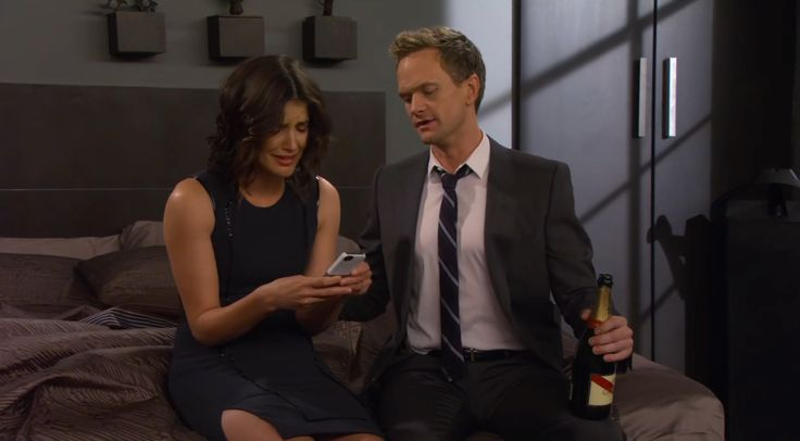 Apple iPhone mobile phone and G.H. Mumm et Cie champagne in HOW I MET YOUR MOTHER: WEEKEND AT BARNEY'S (2013) TV Show Product Placement