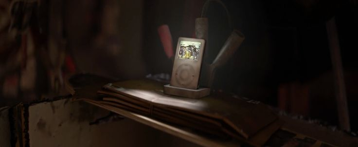 Apple iPod music player in WALL-E (2008) - Movie Product Placement