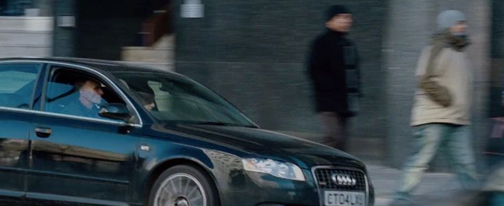 Audi A4 B7 (2005) car in THE BOURNE ULTIMATUM (2007) Movie Product Placement
