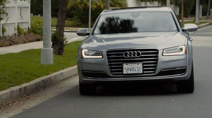 Audi A8 L D4 Car in MODERN FAMILY: THE DAY WE ALMOST DIED (2015) - TV Show Product Placement
