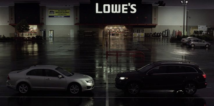 Lowe's Store and Audi Q7 in HOUSE OF CARDS: CHAPTER 17 (2014) TV Show Product Placement