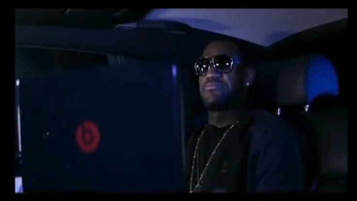 Beats by Dre/HP Envy Notebook - FOREVER - Drake (2009) - Official Music Video Product Placement