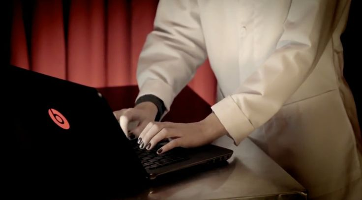 Beats by Dre x HP H15 laptop in I NEED A DOCTOR by Dr. Dre (2011) - Official Music Video Product Placement