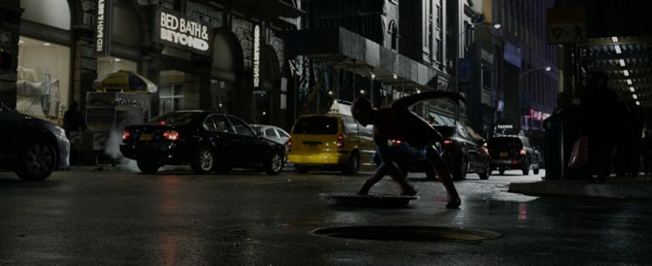 Bed Bath & Beyond in The Amazing Spider-Man (2012) Movie Product Placement