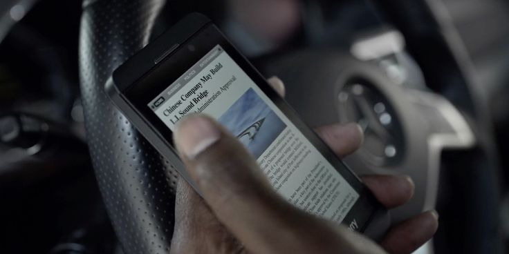 Blackberry Z10 mobile phone and Mercedes-Benz car used by Mahershala Ali in HOUSE OF CARDS: CHAPTER 21 (2014) - TV Show Product Placement