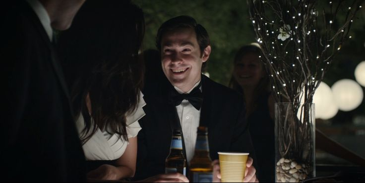 Blue Moon beer in HOUSE OF CARDS: CHAPTER 5 (2013) - TV Show Product Placement