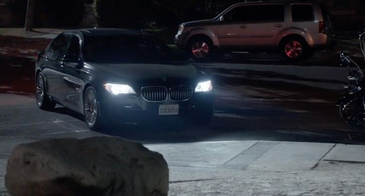 BMW 7 [F01] car in SONS OF ANARCHY: GREENSLEEVES (2014) - TV Show Product Placement