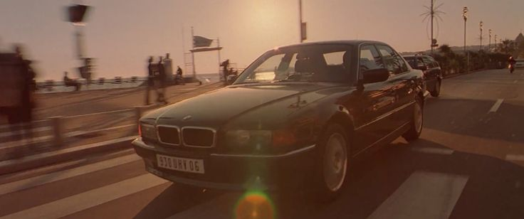 BMW 735i [E38] car driven by Jason Statham in THE TRANSPORTER (2002) Movie Product Placement