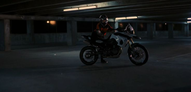 BMW F 800 GS motorcycle - THE DARK KNIGHT RISES (2012) - Movie Product Placement