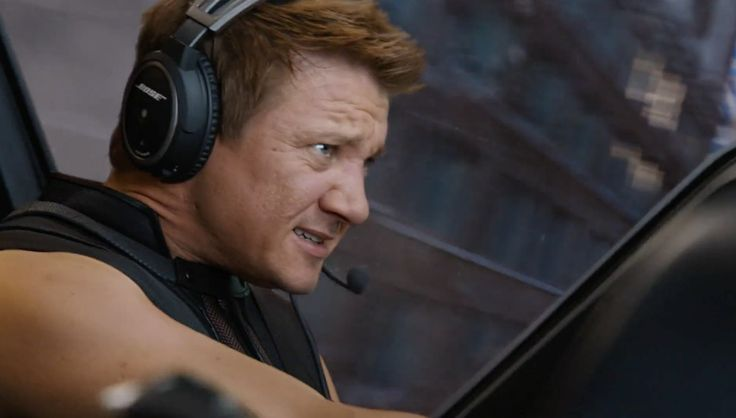 Bose Headset - THE AVENGERS (2012) Movie Product Placement