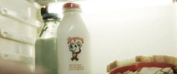 Broguiere's milk in MINORITY REPORT (2002) Movie Product Placement