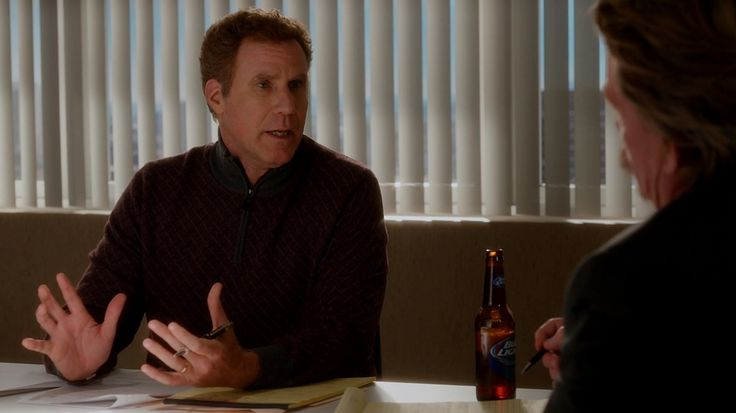 Bud Light beer in DADDY'S HOME (2015) Movie Product Placement