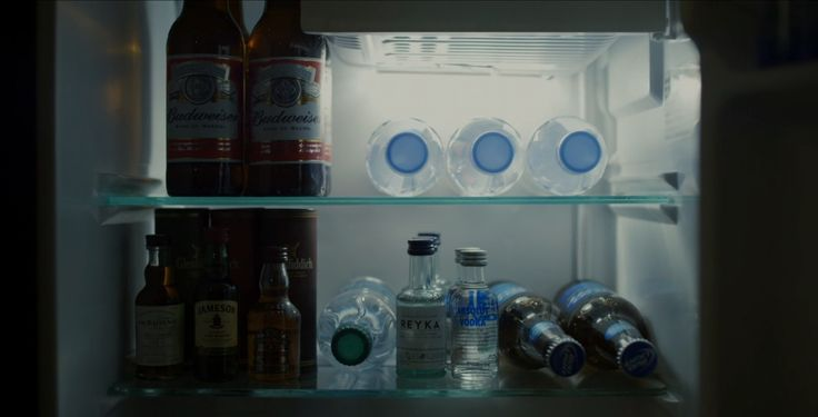 Budweiser, Bud Light, Evian, Absolut Vodka, Reyka, Glenfiddich, Jameson, Chivas Regal and The Balvenie in HOUSE OF CARDS: CHAPTER 49 (2016) TV Show Product Placement