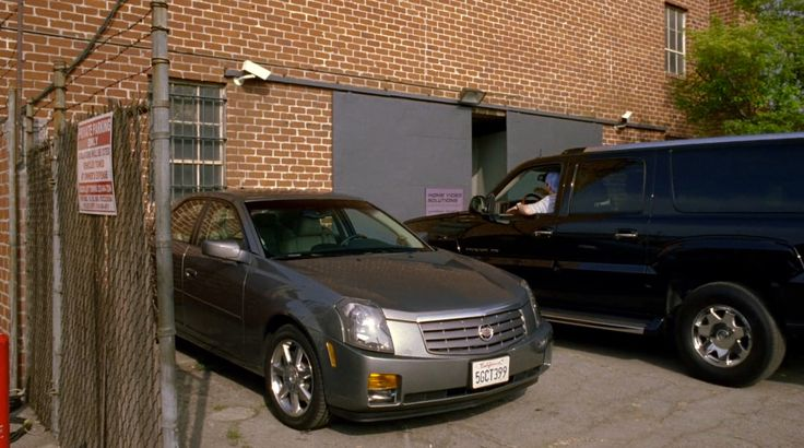 Cadillac CTS car in ENTOURAGE: TALK SHOW (2004) TV Show Product Placement