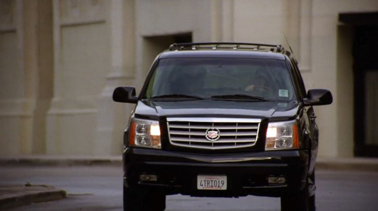 Cadillac Escalade SUV in ENTOURAGE: ENTOURAGE (2004) TV Show Product Placement
