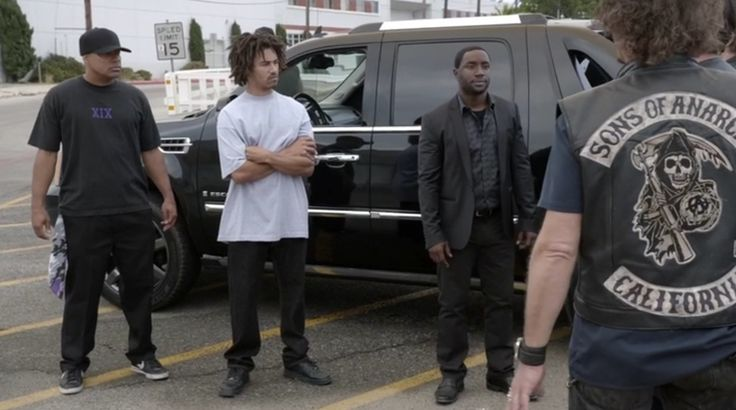 Cadillac Escalade SUV in SONS OF ANARCHY: PLAYING WITH MONSTERS (2014) TV Show Product Placement