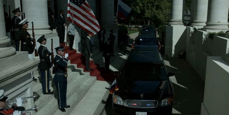 Cadillac Limousines in HOUSE OF CARDS: CHAPTER 29 (2015) TV Show Product Placement