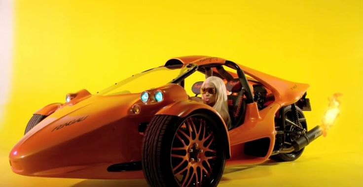 Campagna T-Rex cyclecar driven by Nicki Minaj in THE BOYS (2012) - Official Music Video Product Placement