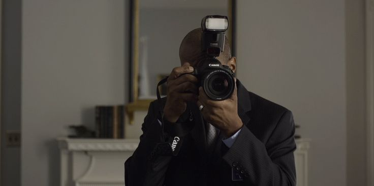 Canon camera - HOUSE OF CARDS: CHAPTER 21 (2014) TV Show Product Placement