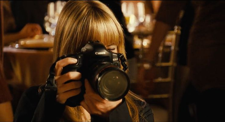 Canon EOS-1 camera - Alvin and the Chipmunks (2007) Movie Product Placement