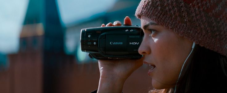 Canon VIXIA-HV40 camcorder - Mission: Impossible - Ghost Protocol (2011) Movie Product Placement