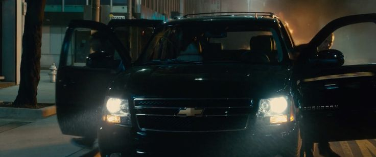 Chevrolet Suburban SUV in FURIOUS 7 (2015) - Movie Product Placement