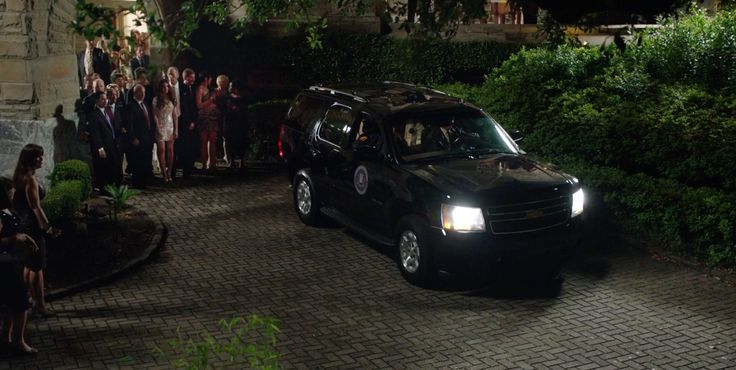 Chevrolet Suburban SUV in GET HARD (2015) Movie Product Placement