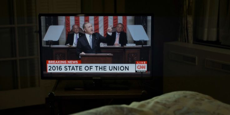CNN TV channel and Samsung TV in HOUSE OF CARDS: CHAPTER 41 (2016) TV Show Product Placement