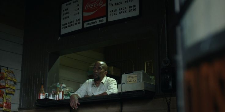 Coca-Cola sign in HOUSE OF CARDS: CHAPTER 10 (2013) TV Show  Product Placement Review