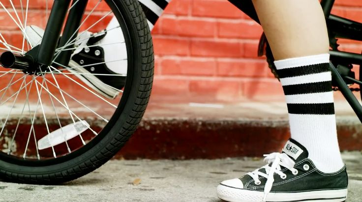 Converse Chuck Taylor All-Star lowtops in I'm DIFFERENT by 2 Chainz (2012) Official Music Video