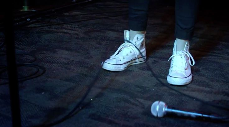 Converse shoes in UMA THURMAN by Fall Out Boy (2015) Official Music Video