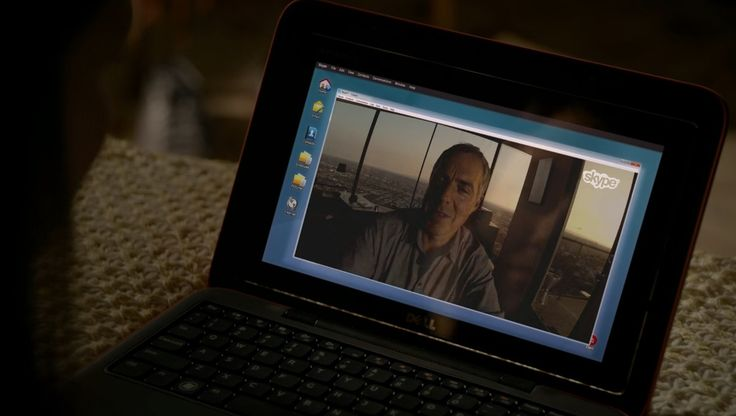 Dell laptop in BOSCH: CHAPTER NINE: THE MAGIC CASTLE (2015) - TV Show Product Placement