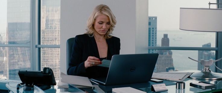 Dell Notebook - THE OTHER WOMAN (2014) Movie Product Placement
