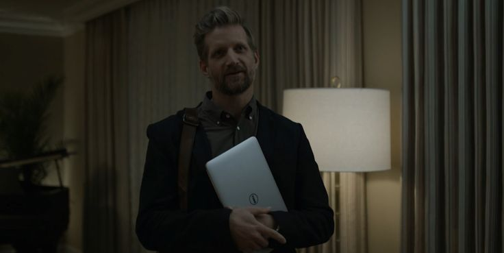 Dell laptop used by Paul Sparks in HOUSE OF CARDS: CHAPTER 48 (2016) TV Show Product Placement