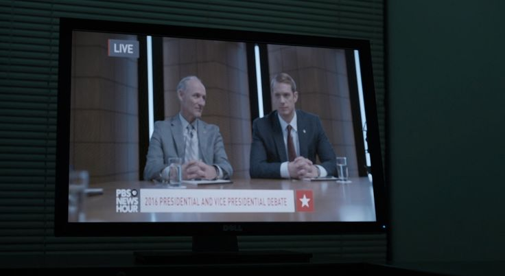 Dell monitor and PBS news channel in HOUSE OF CARDS: CHAPTER 51 (2016) TV Show Product Placement