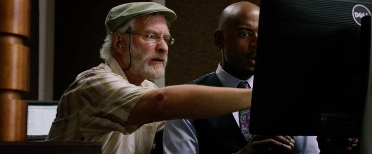 Dell monitor in LAST VEGAS (2013) Movie Product Placement