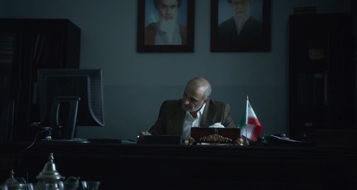 Dell monitor in ROSEWATER (2014) Movie Product Placement