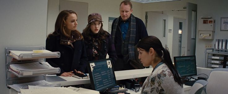 Dell monitor in THOR (2011) Movie Product Placement