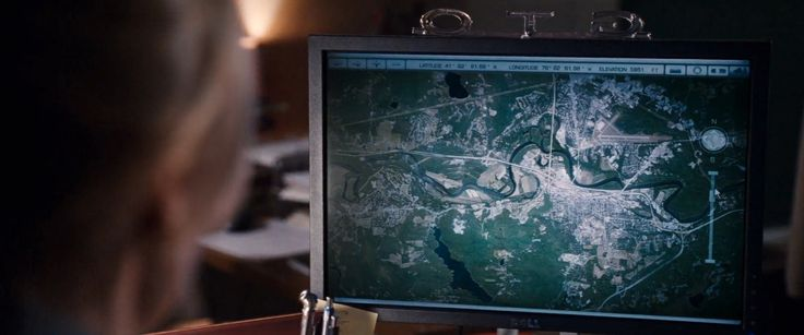 Dell monitor - KNIGHT AND DAY (2010) Movie Product Placement