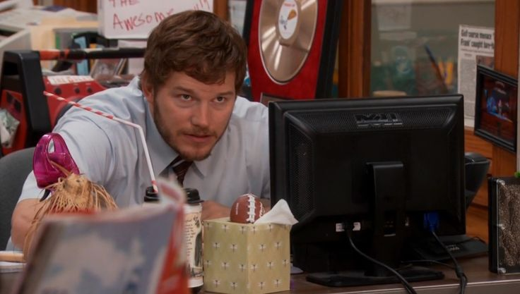 Dell monitor - PARKS AND RECREATION: THE COMEBACK KID (2011) TV Show Product Placement
