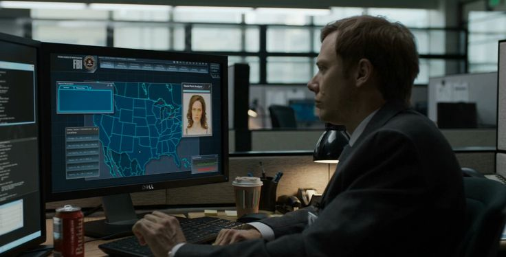 Dell monitor and Coca-Cola - House of Cards TV Show Product Placement