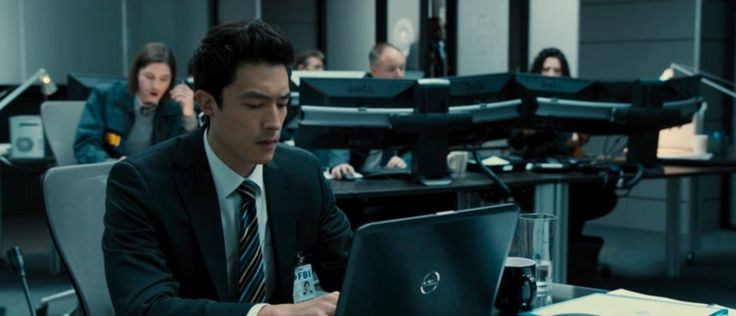 Dell monitors and laptop in THE LAST STAND (2013) - Movie Product Placement