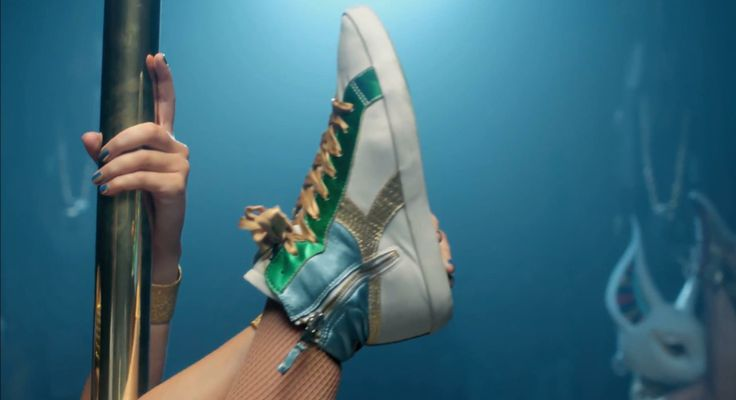 Diadora Kim W Lure shoes worn by Katy Perry in DARK HORSE by Katy Perry (2013) Music Video Product Placement