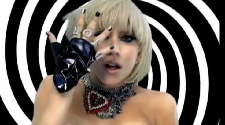 Dior rings - Lady Gaga - PAPARAZZI Official Music Video Product Placement